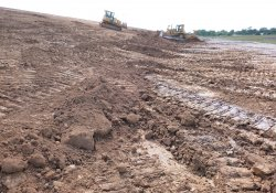 Clean Soil Cover and Slope Reshaping, Northern Area 1A / Looking West / Northwest (August 26, 2015)