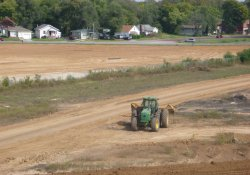 Area 4A Clean Cover Soil Activities / Looking North (September 24, 2015)