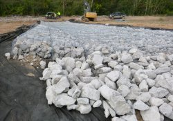 Area 1B Storm Water Overflow Structure / Looking South (September 18, 2015)