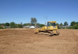 Clean Cover Soil Application, OU-2 Former Ballfields Area / Looking North (October 2, 2015)