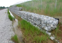 Conditions Along A&S Railroad Gabion Wall, Eastern OU-1 Boundary / Looking South / Southwest (July 10, 2015)